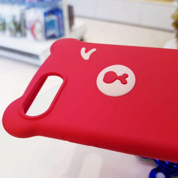 Ốp lưng điện thoại hình gấu đỏ2