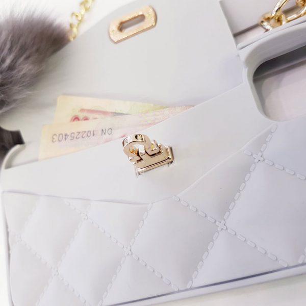Ốp lưng điện thoại sang chảnh ví Chanel trắng3