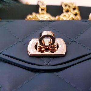 Ốp lưng điện thoại sang chảnh ví Chanel xanh rêu